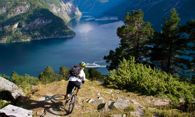 sky-to-fjord-downhill-bike-tour-GG41-mosaic